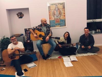 Venerdì 31 maggio: Serata Kirtan con musica live!